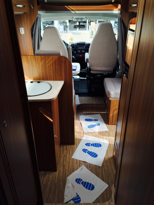 wohnmobil-familie-Innenraum Carado T334