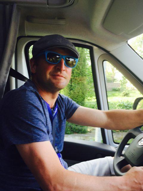 wohnmobil-familie: abholung beim haendler